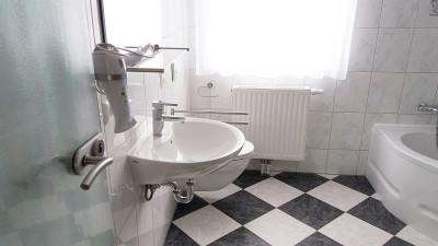 Bad / WC